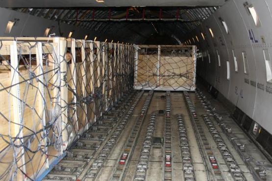 Im Flugzeug Laderaum